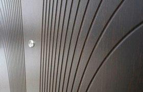 Металлические двери с МДФ – виды, преимущества и особенности